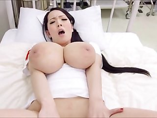 Glamorous idol pops out big ass and gets anal hole banged